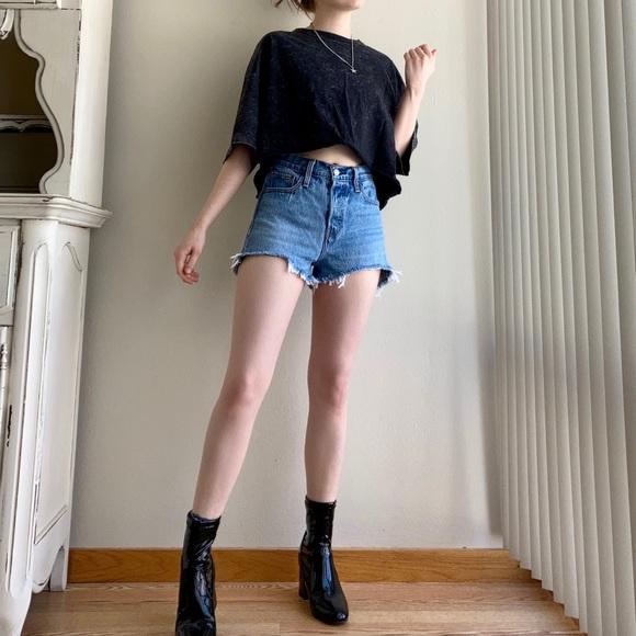 Levi's Wedgie Shorts size 26